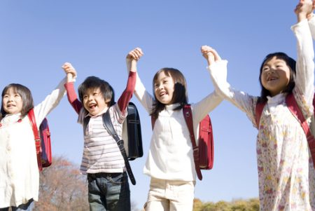 japanese-children-jumping
